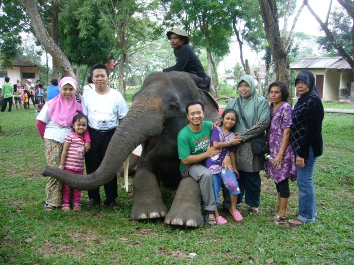 Foto Keluarga di Way Kambas